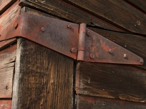 Identifying door hinges: EN 1935 international regulations